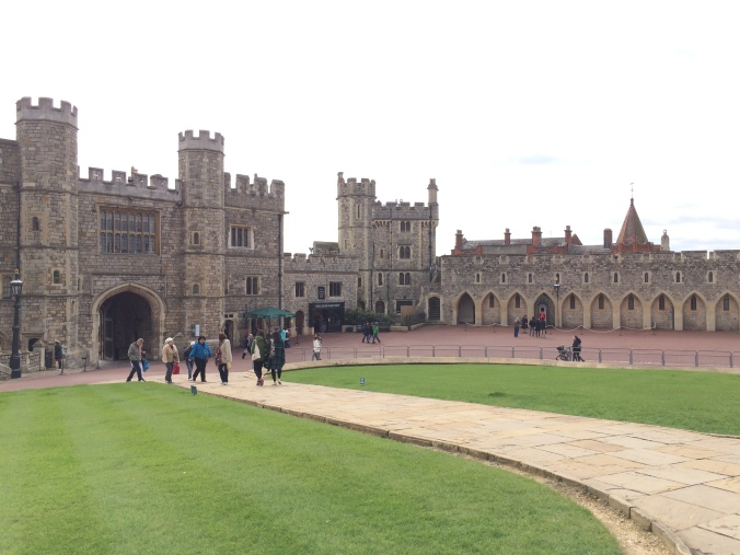 Blonde In Grey - An Afternoon at Windsor Castle (10)
