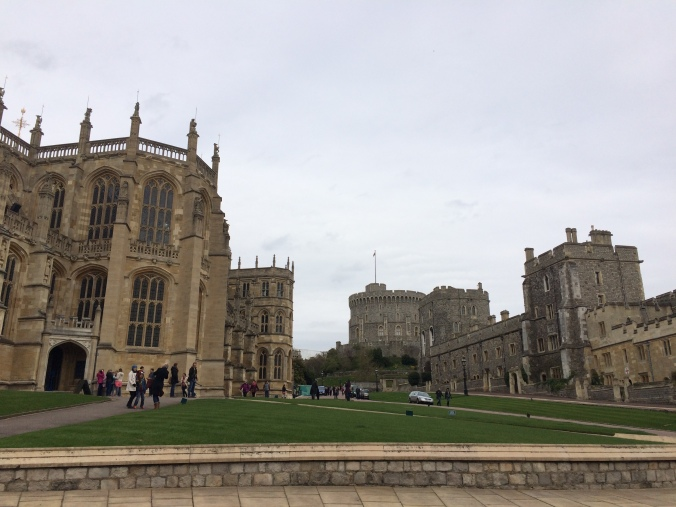 Blonde In Grey - An Afternoon at Windsor Castle (16)