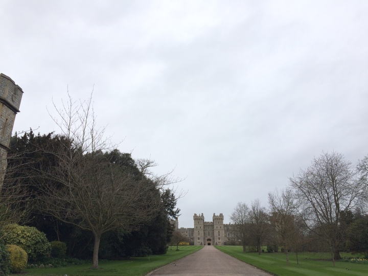 Blonde In Grey - An Afternoon at Windsor Castle (20)