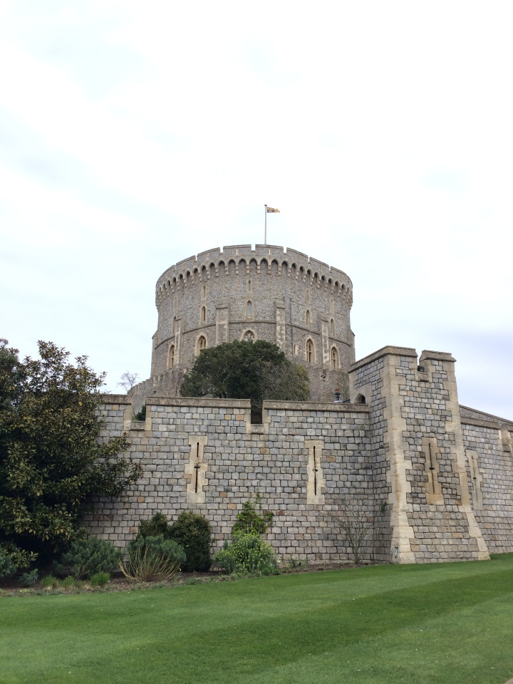 Blonde In Grey - An Afternoon at Windsor Castle (3)
