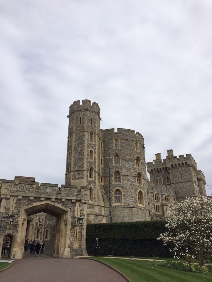 Blonde In Grey - An Afternoon at Windsor Castle (4)