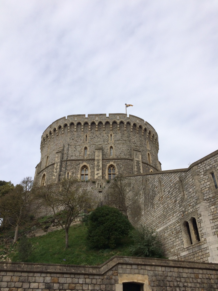 Blonde In Grey - An Afternoon at Windsor Castle (5)