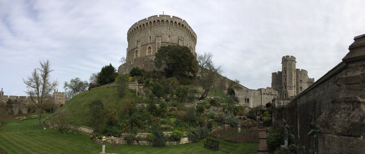 Blonde In Grey - An Afternoon at Windsor Castle (7)