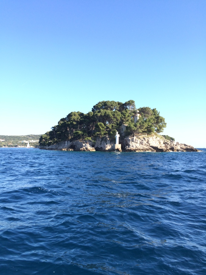 Blonde in Grey - Island Hopping in Dubrovnik (13)