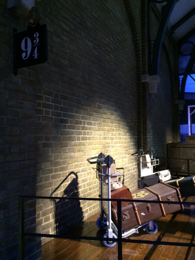Hogwarts Hangouts - Blonde in Grey (11)