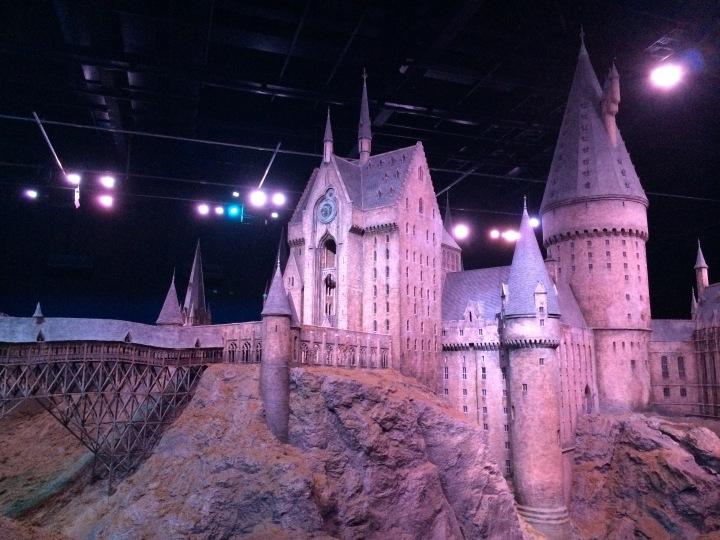 Hogwarts Hangouts - Blonde in Grey (32)