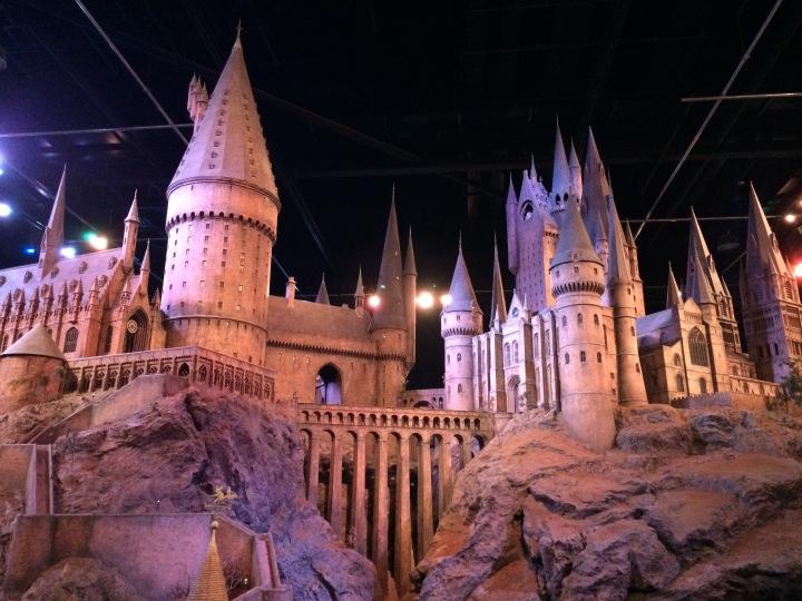 Hogwarts Hangouts - Blonde in Grey (33)