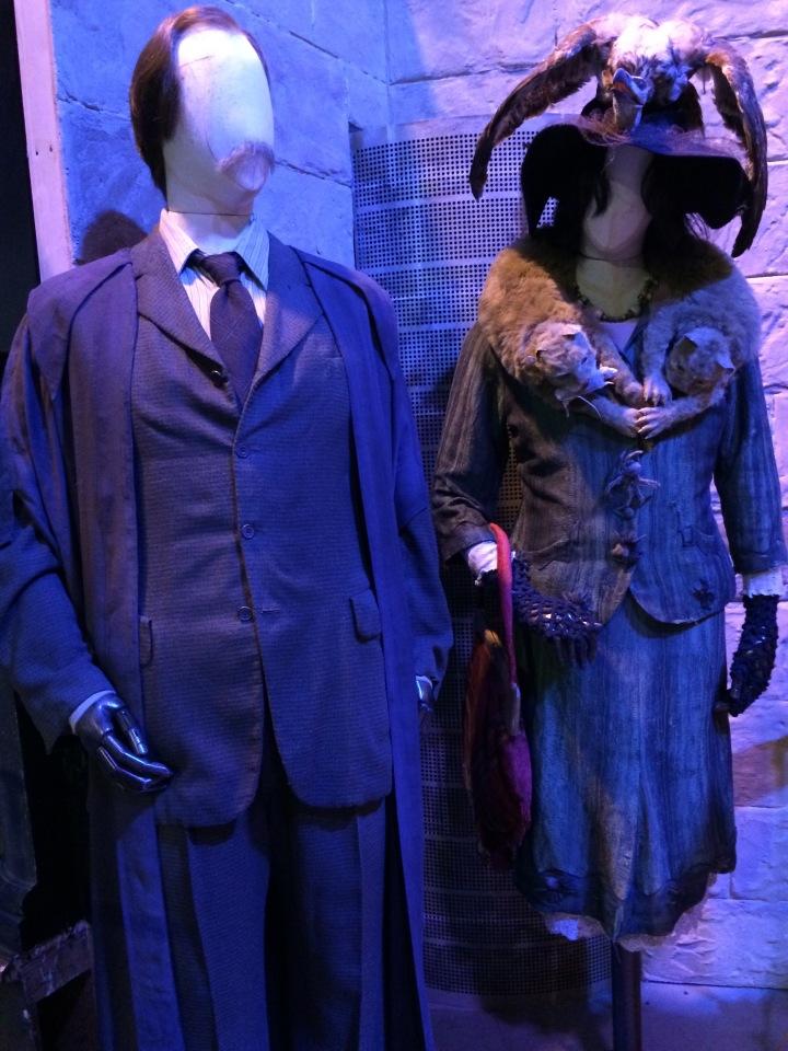 Hogwarts Hangouts - Blonde in Grey (8)