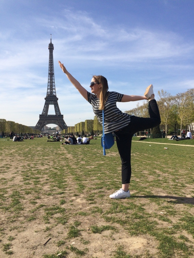Blonde in Grey - An Eyeful of Eiffel (17)
