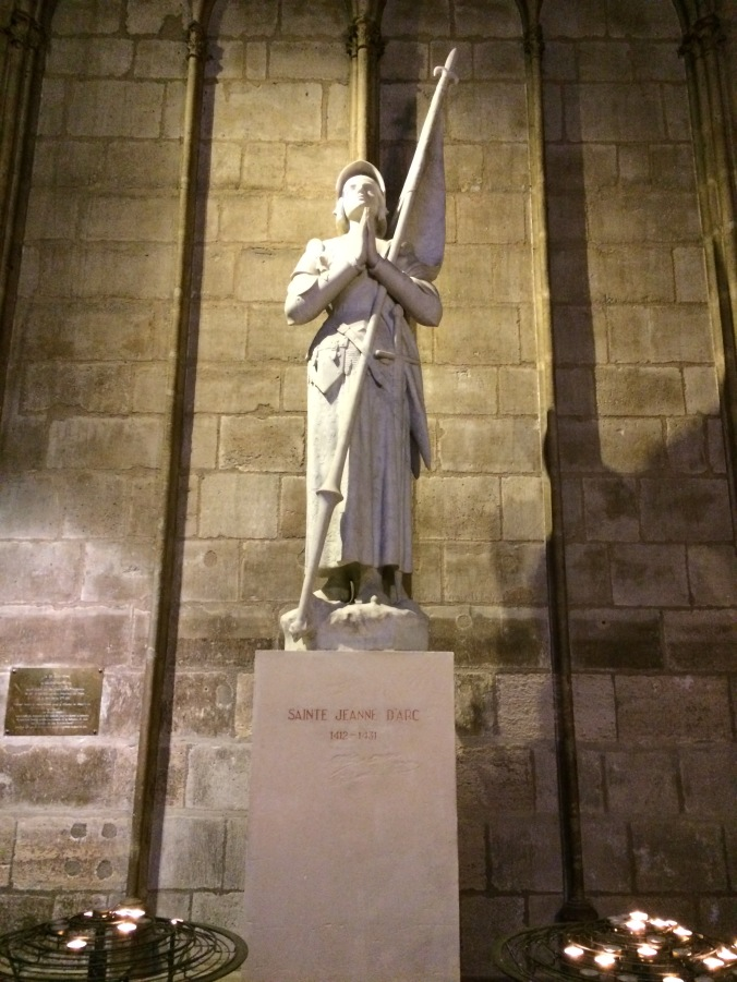 Blonde in Grey - Notes From Notre Dame (15)