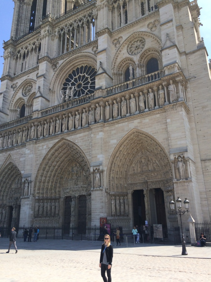 Blonde in Grey - Notes From Notre Dame (22)