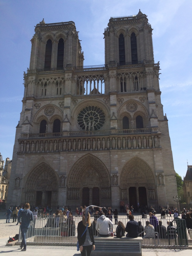 Blonde in Grey - Notes From Notre Dame (23)