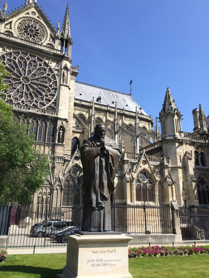 Blonde in Grey - Notes From Notre Dame (25)