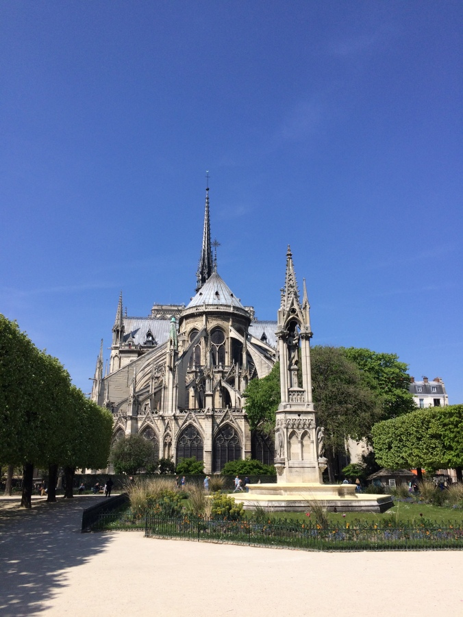 Blonde in Grey - Notes From Notre Dame (29)