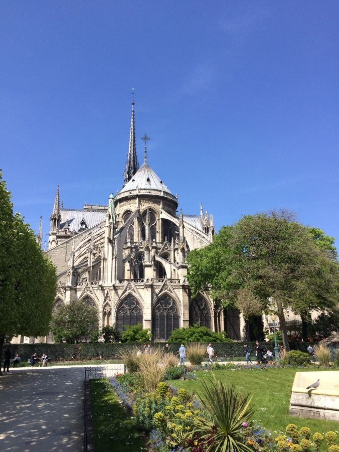 Blonde in Grey - Notes From Notre Dame (30)