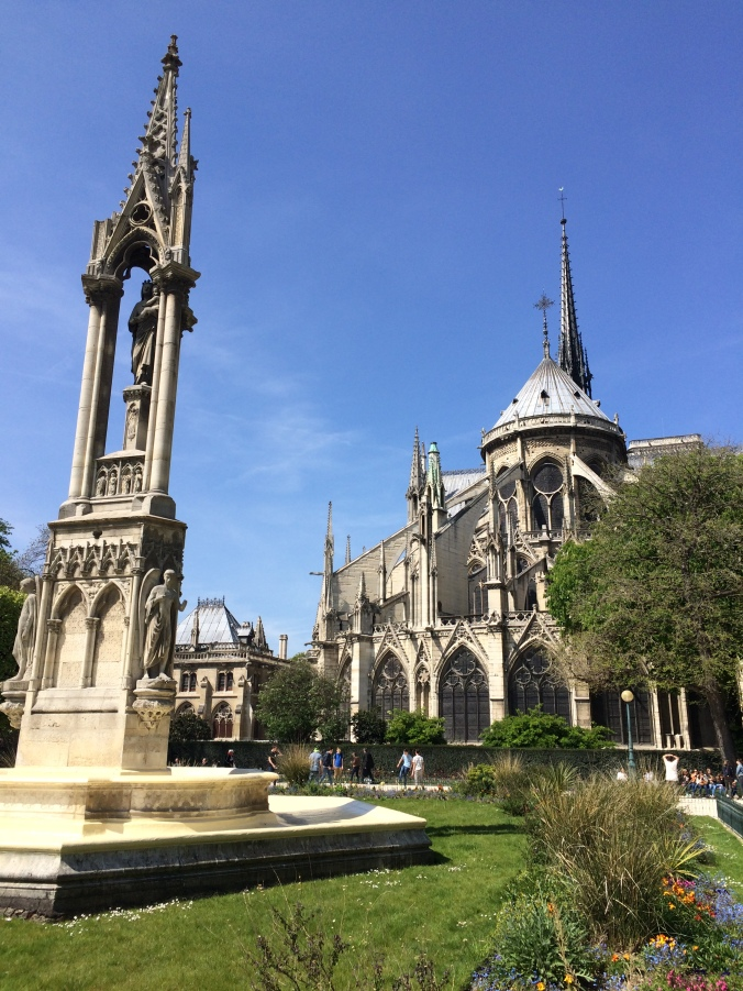 Blonde in Grey - Notes From Notre Dame (34)