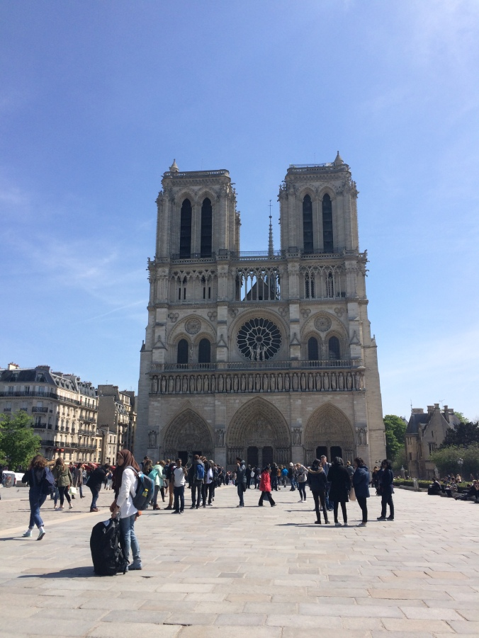 Blonde in Grey - Notes From Notre Dame (41)