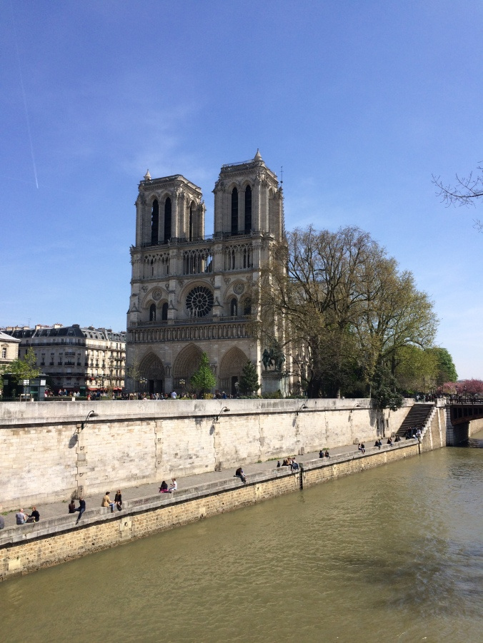 Blonde in Grey - Notes From Notre Dame (42)