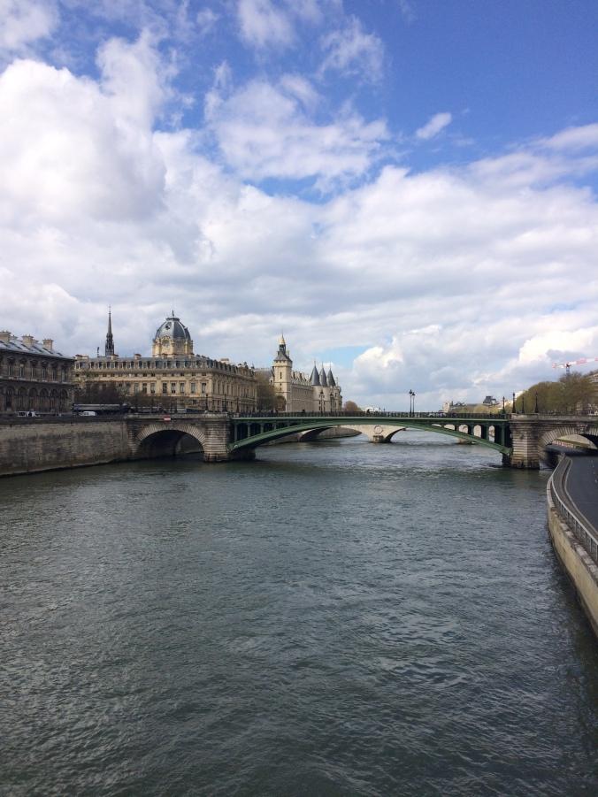 Blonde in Grey - Parisian Wanderings (10)