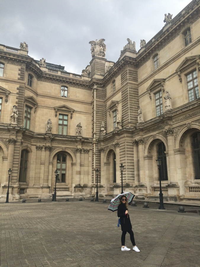 Blonde in Grey - Parisian Wanderings (19)
