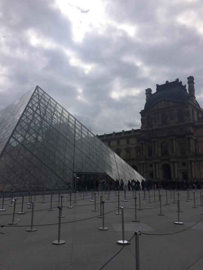 Blonde in Grey - Parisian Wanderings (21)