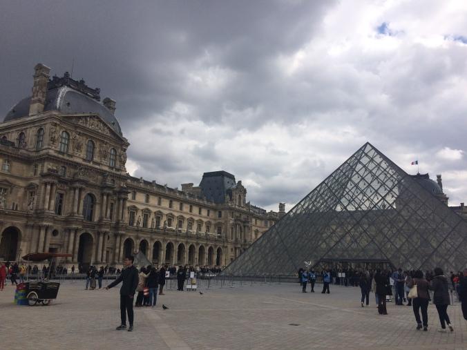 Blonde in Grey - Parisian Wanderings (22)