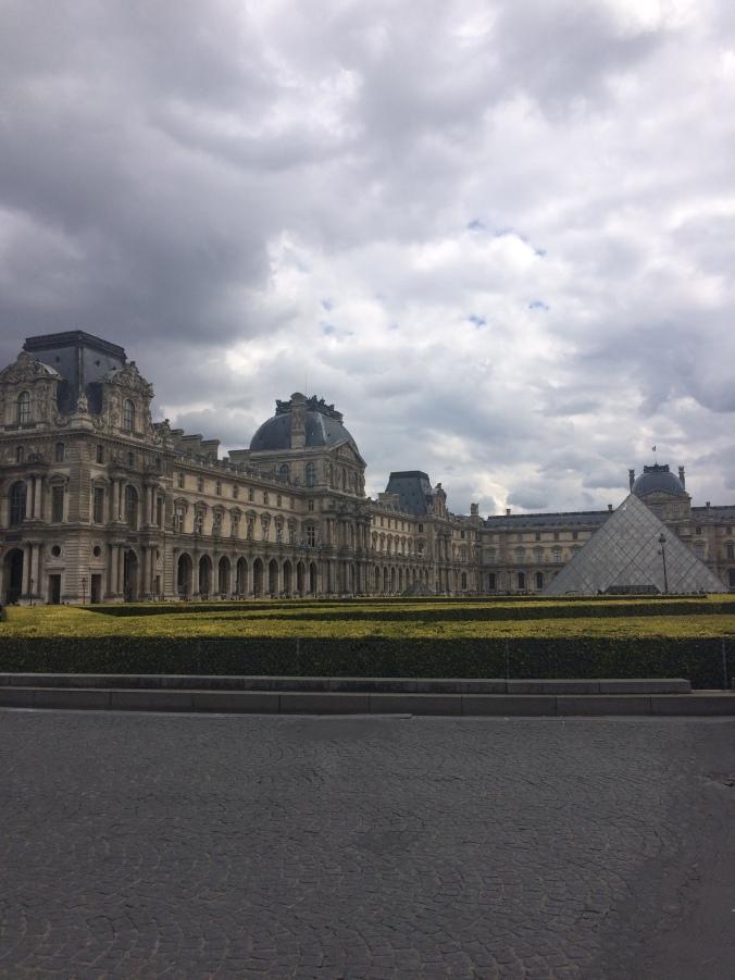Blonde in Grey - Parisian Wanderings (23)