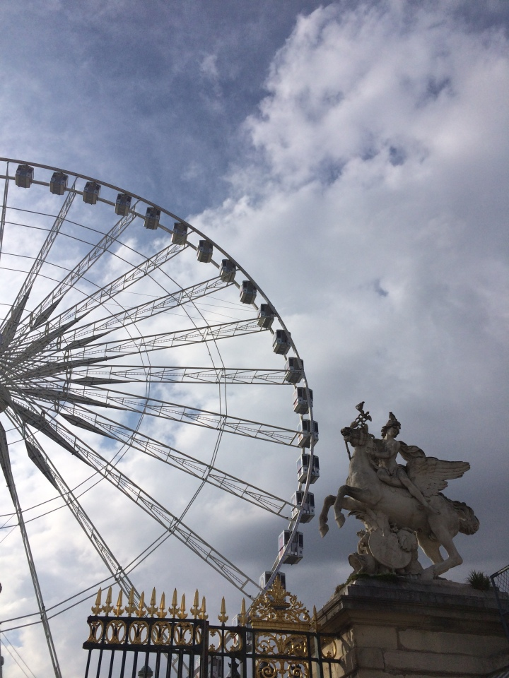 Blonde in Grey - Parisian Wanderings (44)