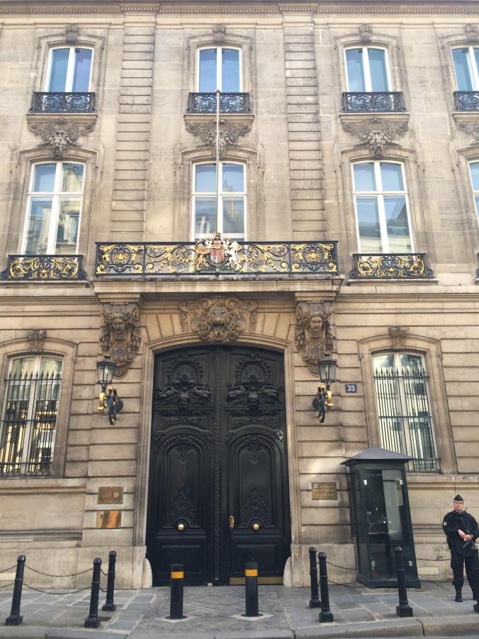 Blonde in Grey - Parisian Wanderings (50)