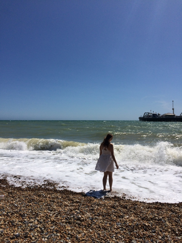 Blonde in Grey - Brighton (24)