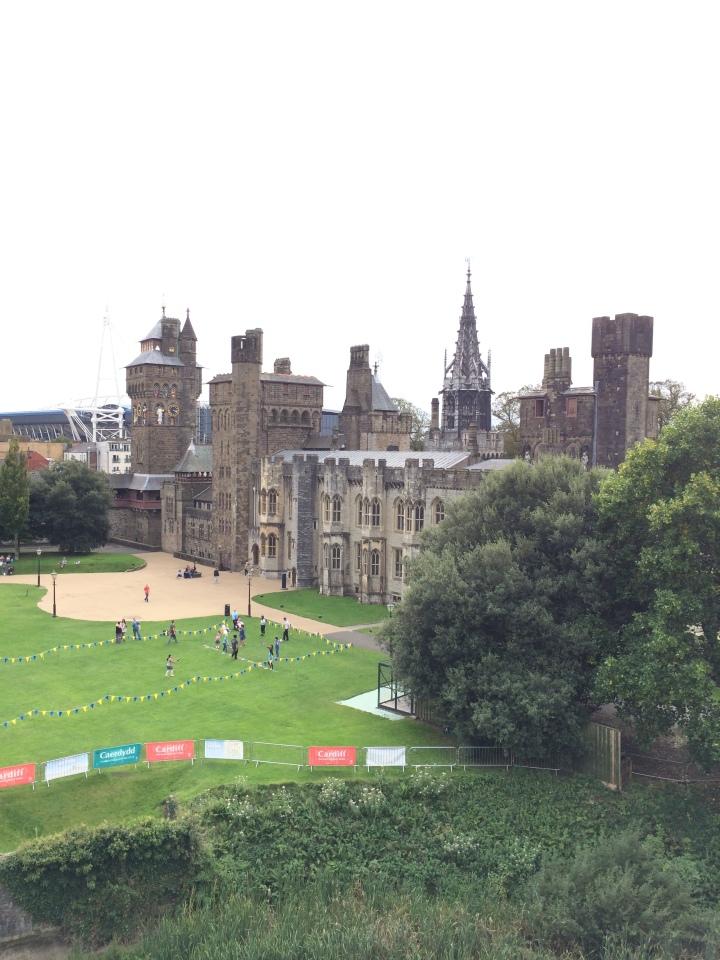 Blonde in Grey - Cardiff Castle (22)