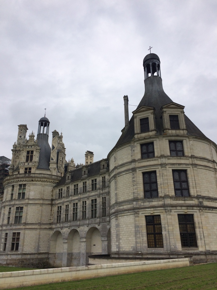 Blonde in Grey - Château de Chambord (2)