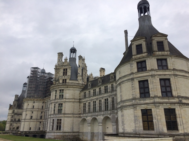 Blonde in Grey - Château de Chambord (3)
