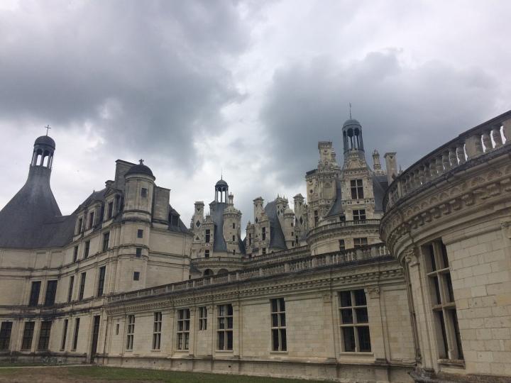 Blonde in Grey - Château de Chambord (30)