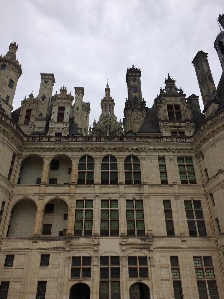 Blonde in Grey - Château de Chambord (7)