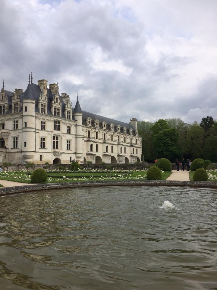 Blonde in Grey - Château de Chenonceau (10)
