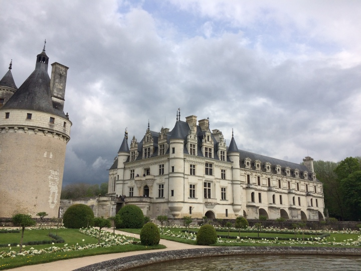Blonde in Grey - Château de Chenonceau (14)