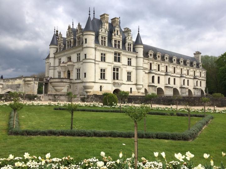 Blonde in Grey - Château de Chenonceau (15)
