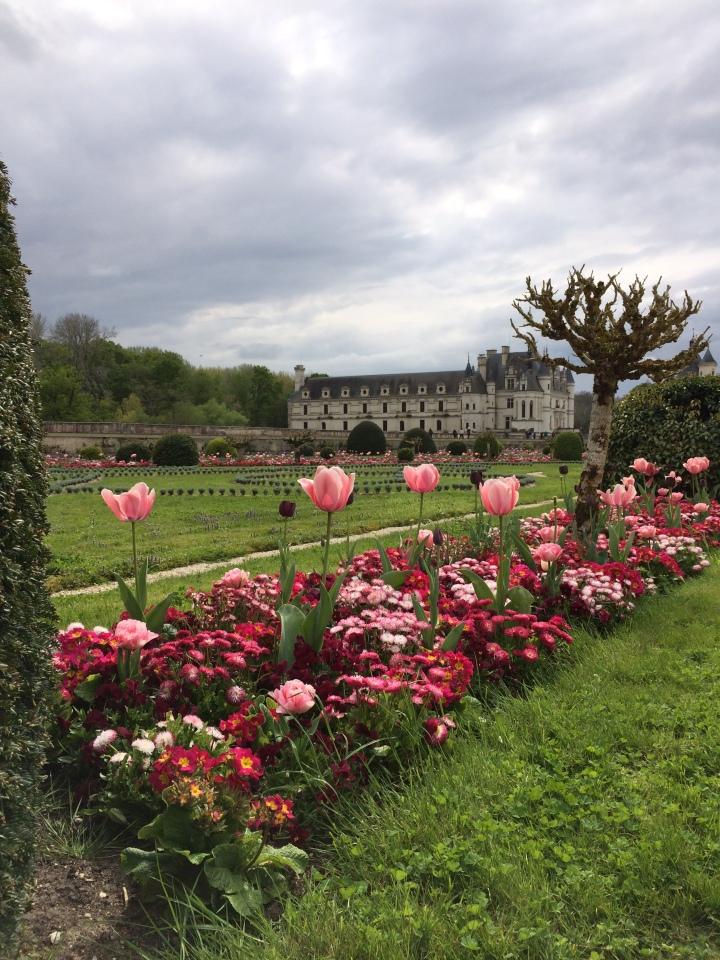 Blonde in Grey - Château de Chenonceau (29)