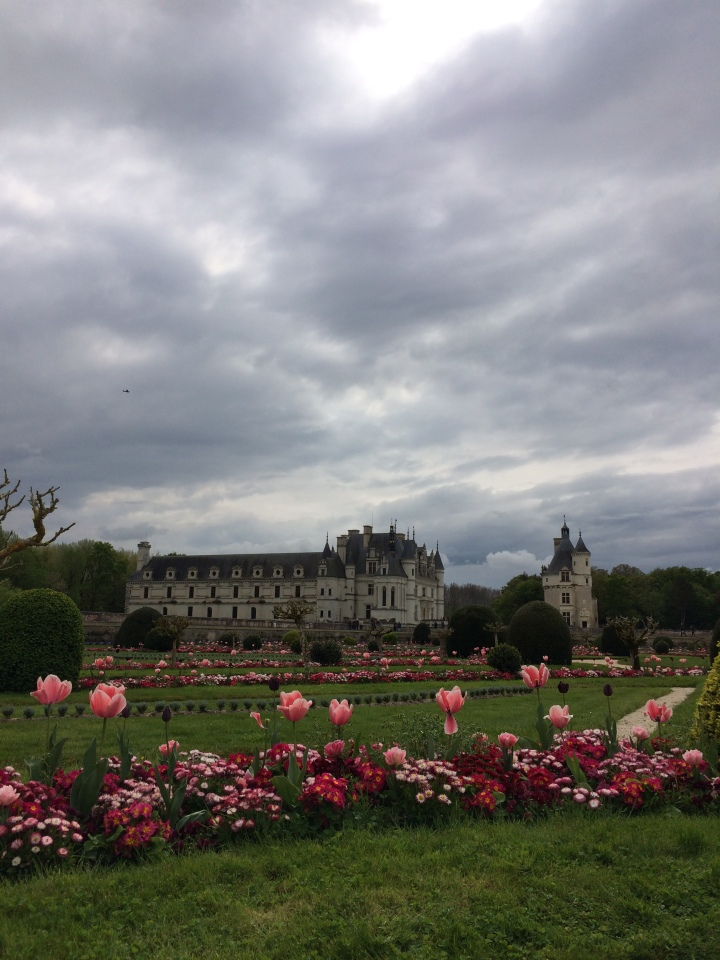 Blonde in Grey - Château de Chenonceau (30)