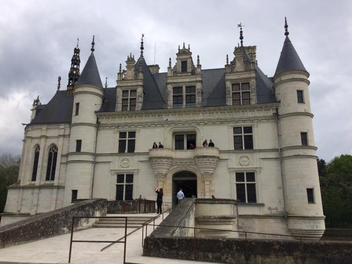 Blonde in Grey - Château de Chenonceau (7)