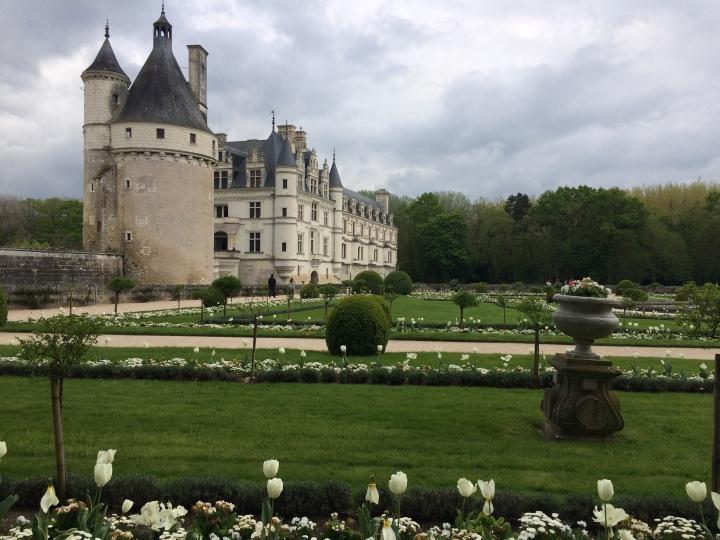 Blonde in Grey - Château de Chenonceau (9)