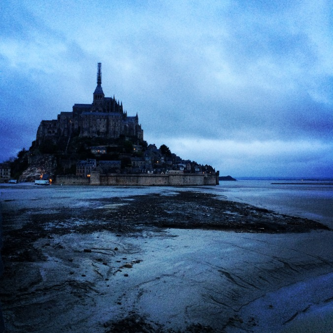 Blonde in Grey - Mont Saint-Michel (1)