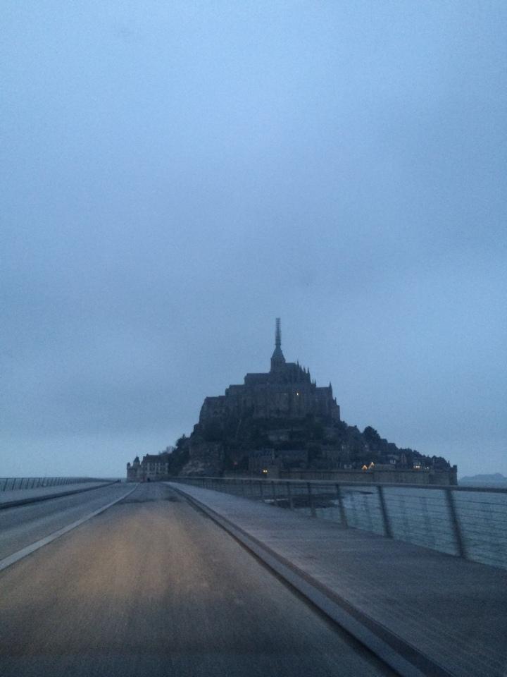 Blonde in Grey - Mont Saint-Michel (22)