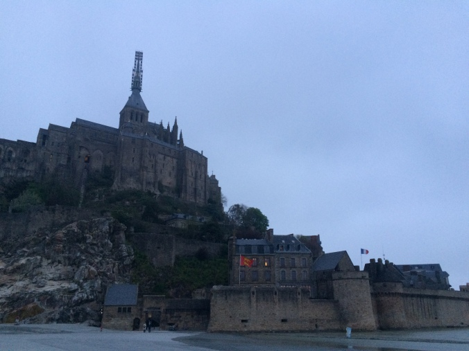Blonde in Grey - Mont Saint-Michel (23)