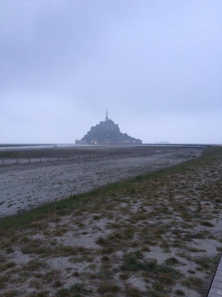 Blonde in Grey - Mont Saint-Michel (24)