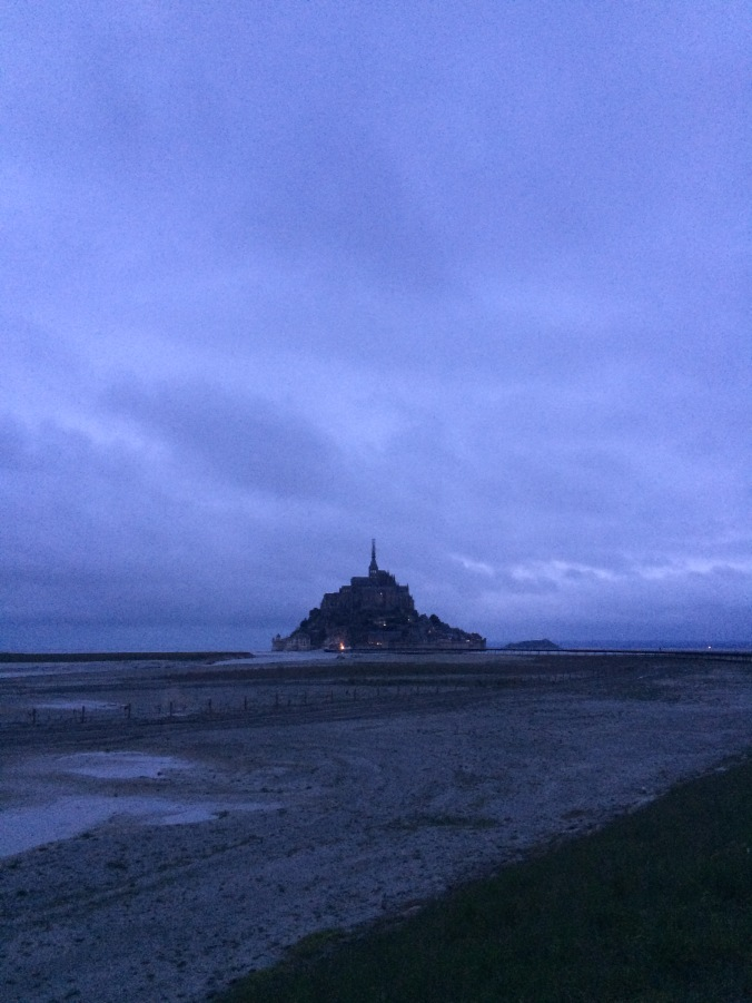 Blonde in Grey - Mont Saint-Michel (26)