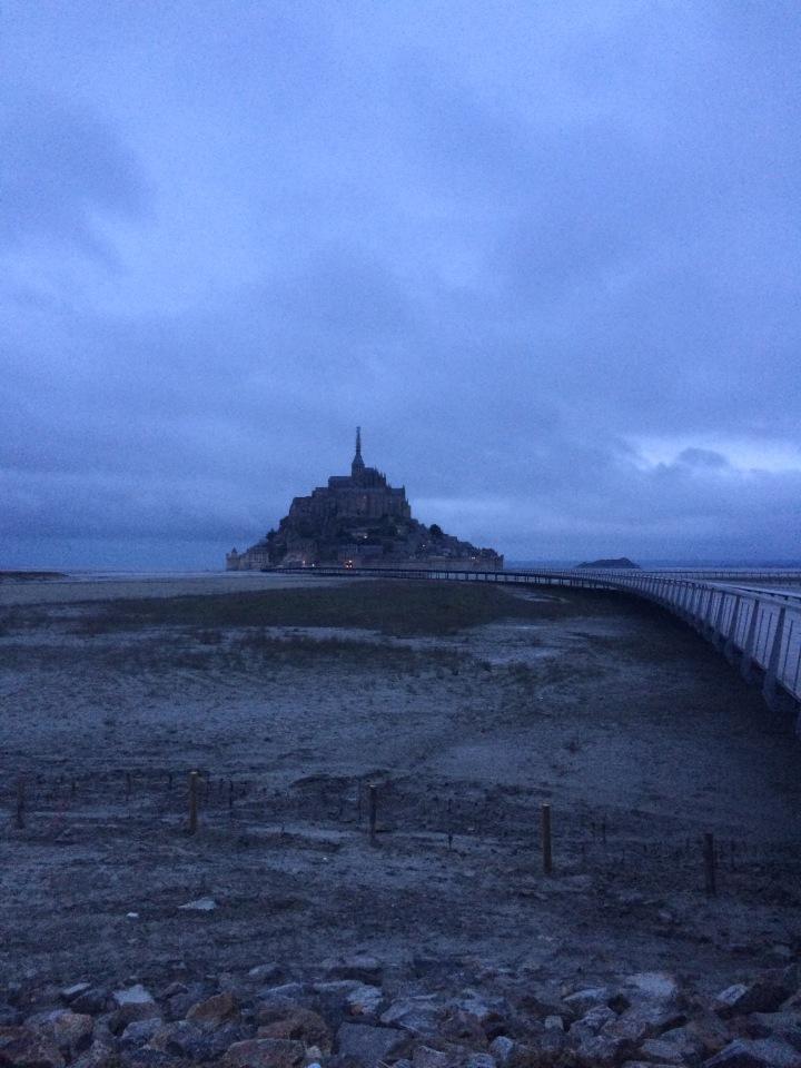 Blonde in Grey - Mont Saint-Michel (27)