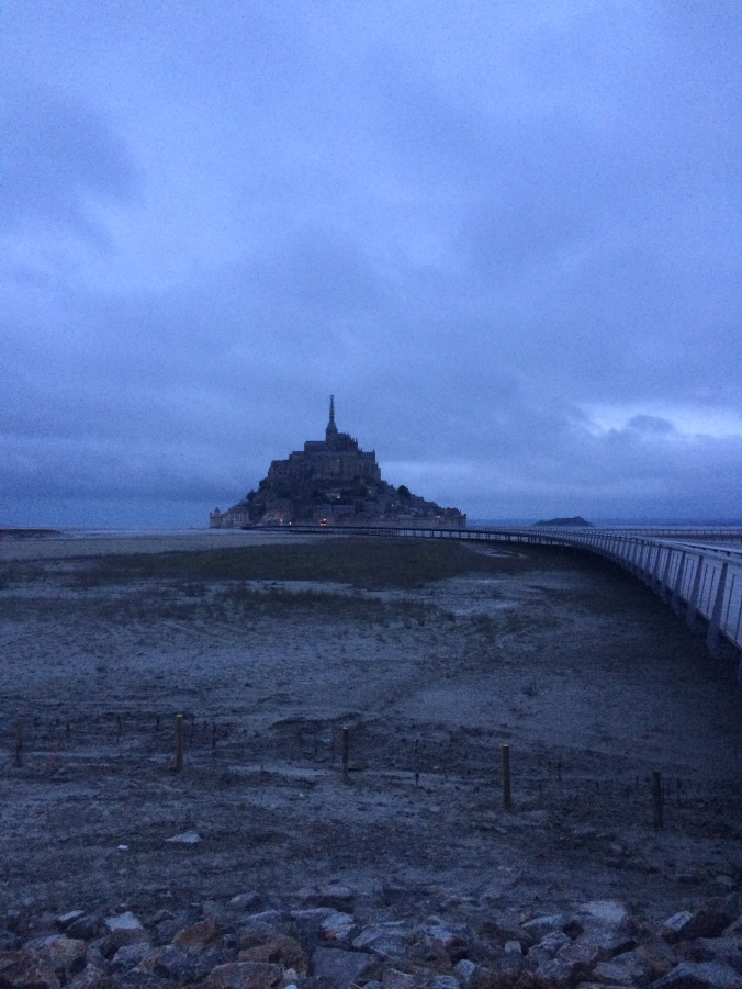 Blonde in Grey - Mont Saint-Michel (27)