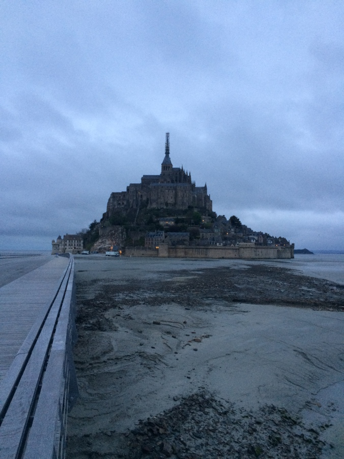 Blonde in Grey - Mont Saint-Michel (29)